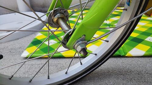 子ども用自転車 フロントタイヤ交換 ハブナット