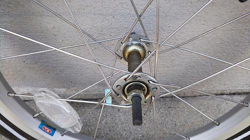 子ども用自転車 フロントタイヤ交換 ハブ 汚れ サビ